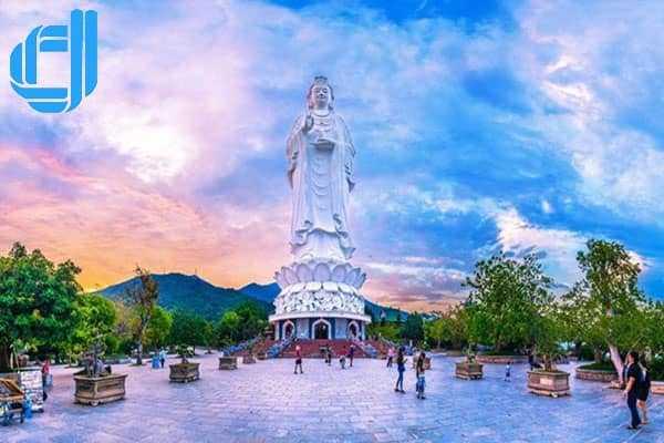 Ánh hào quang nổi tiếng tại chùa Linh Ứng Bán Đảo Sơn Trà