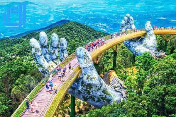 Dạo bước qua bàn tay của vị thần cùng Cây Cầu Vàng Bà Nà Hills